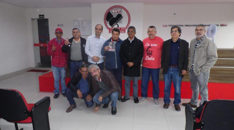 Deputado Federal Vicentinho lança pré-candidatura à reeleição na sede do Sindicato em São José
